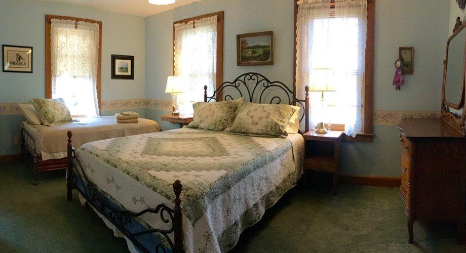 The Inn on Lake Champlain: 428 County Rt 3, Putnam Station, NY