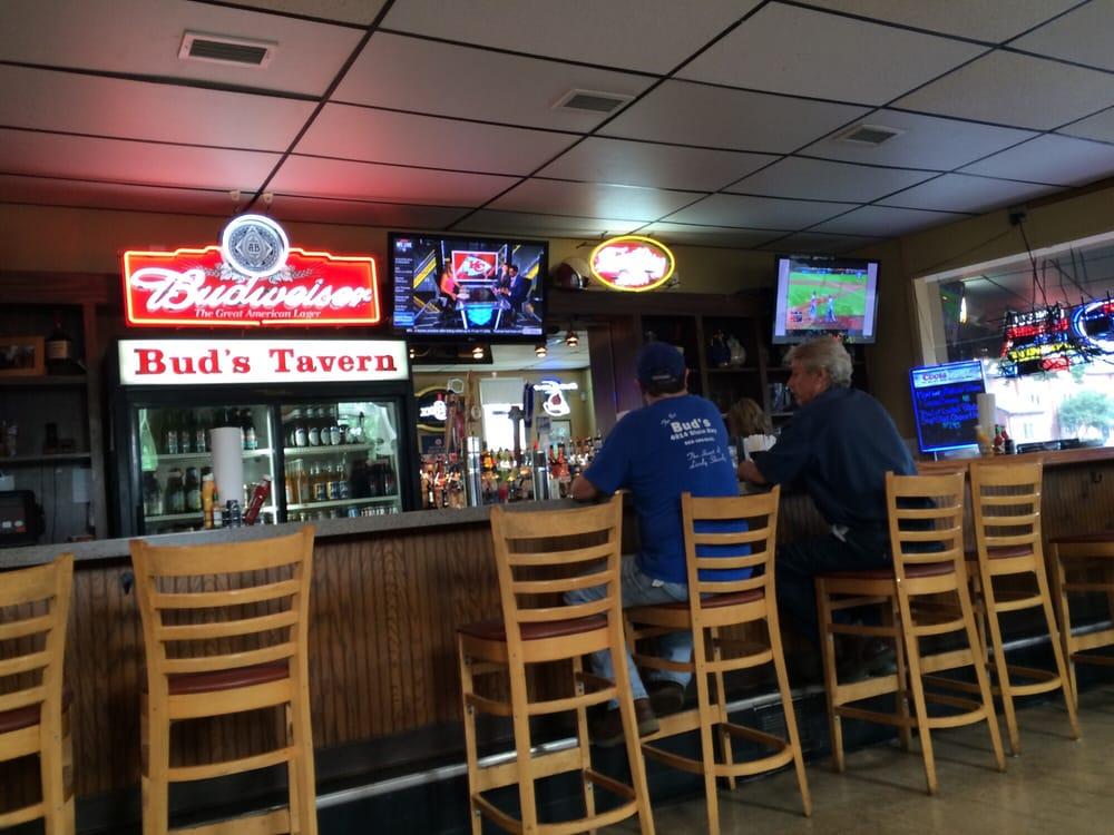 Bud s tavern 29 photos 25 reviews bars 4014 dixie for Fish restaurants louisville ky