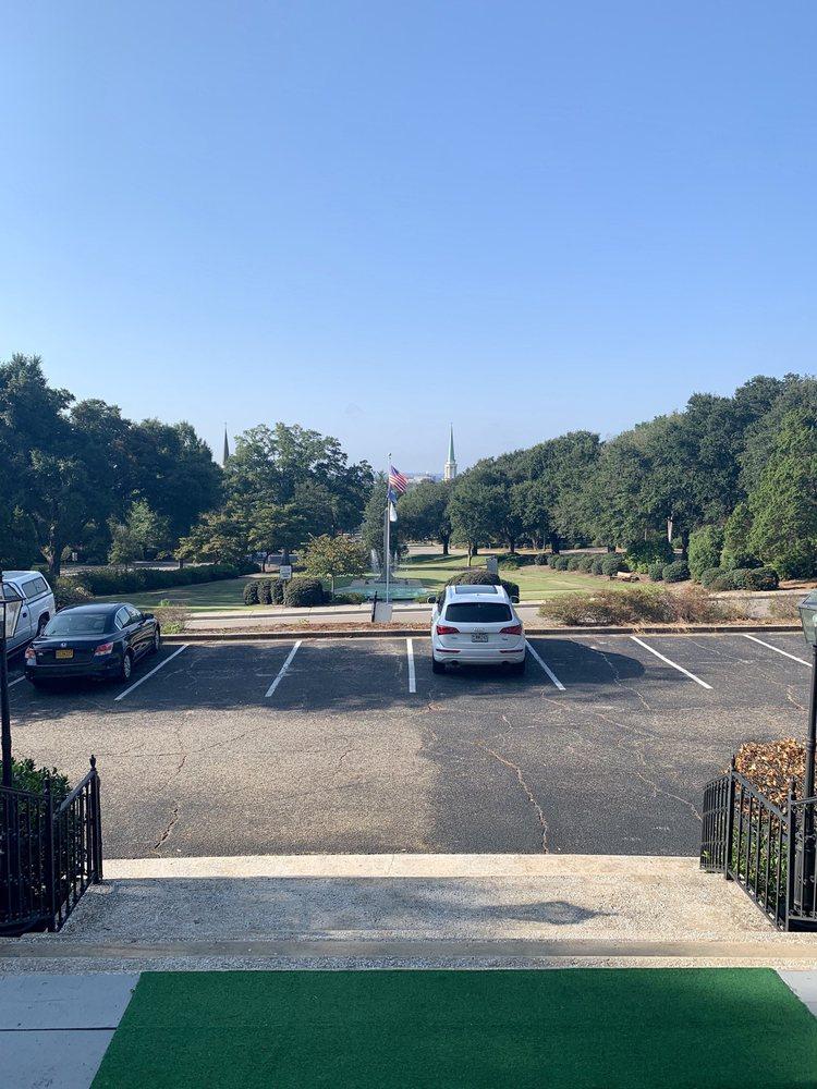 Lookaway Inn: 103 W Forest Ave, North Augusta, SC