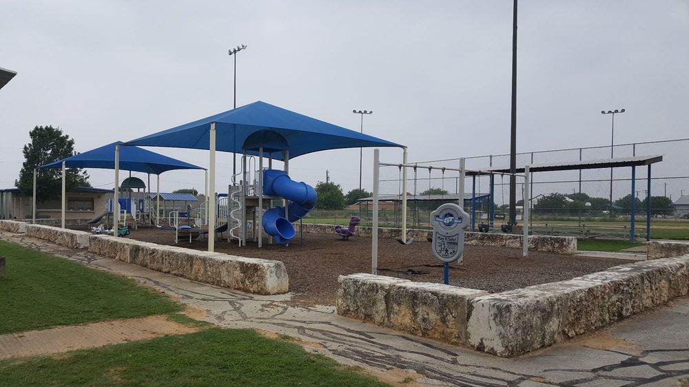 Jarrell Memorial Park: 1651 County Rd 305, Jarrell, TX