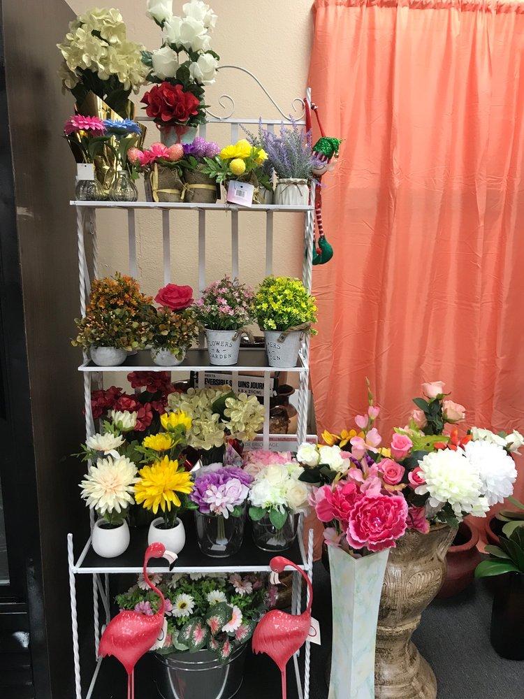 Rubys Flowers Shop: 2138 N Palm Ave, Highland, CA