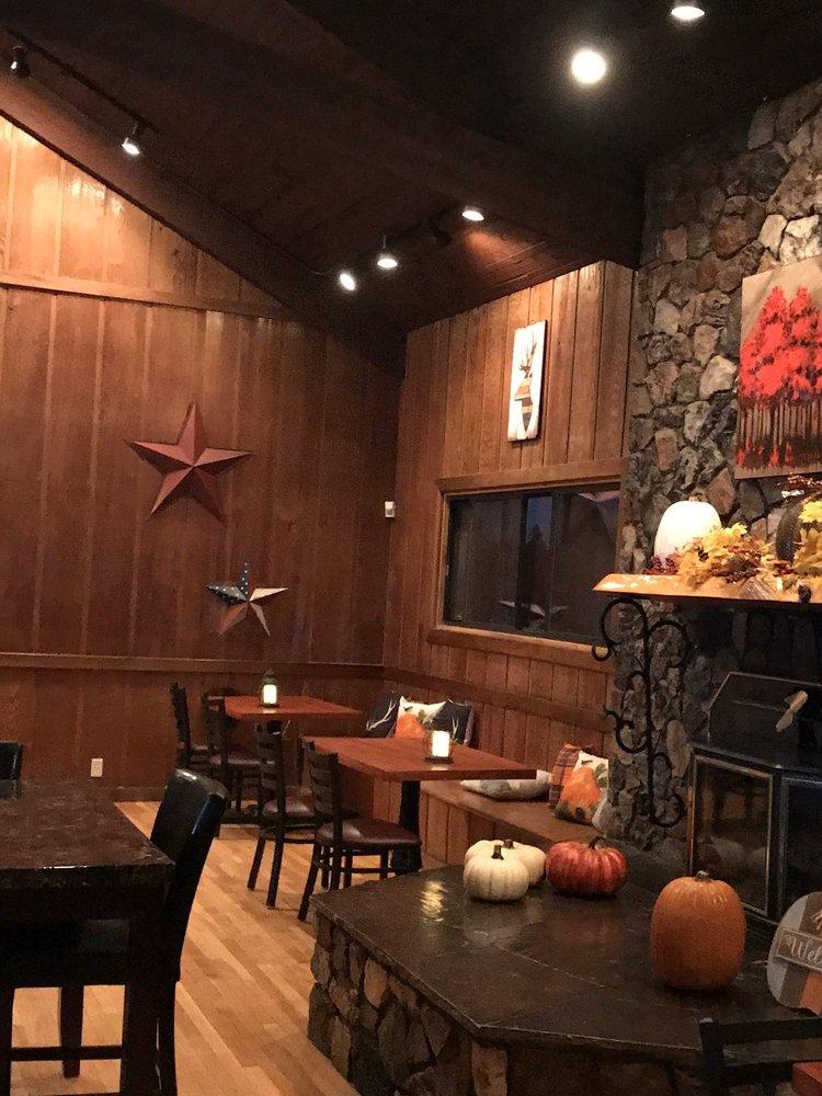 Snowy Mountain Inn: 38721 State Route 373, Greer, AZ