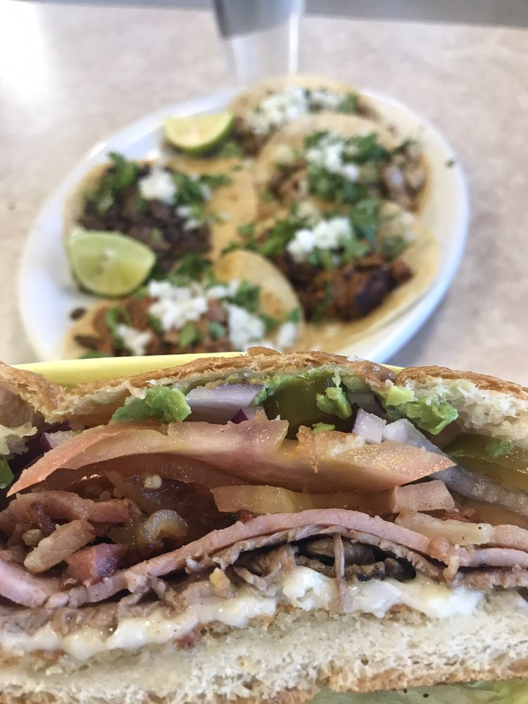 El Zocalo Tortas and Bakery: 701 S 38th St, Tacoma, WA