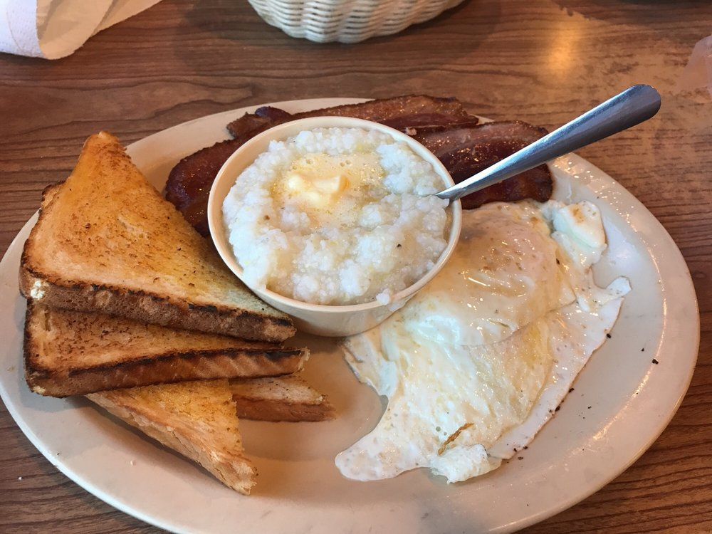 Martha's Restaurant: 1407 N 12th St, Murray, KY