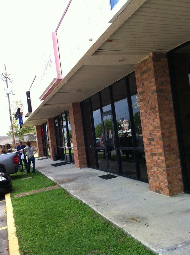 Tan's Alterations: 1071 Robert Blvd, Slidell, LA