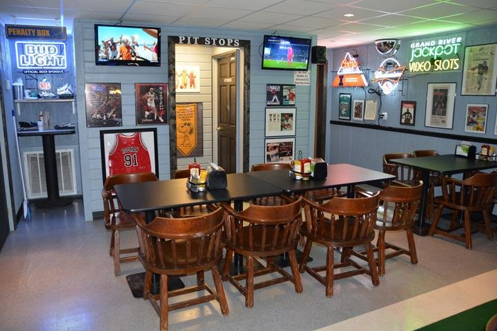 78 Sports Bar & Grill: 15755 SR 78, Havana, IL