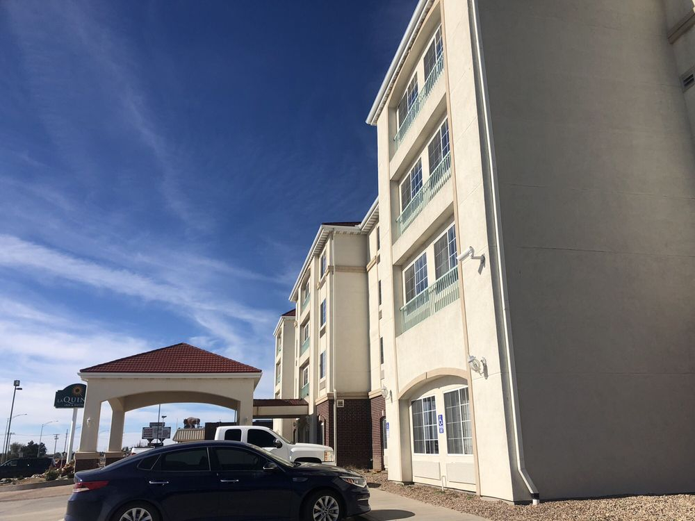 La Quinta by Wyndham Dodge City: 2400 West Wyatt Earp Blvd, Dodge City, KS