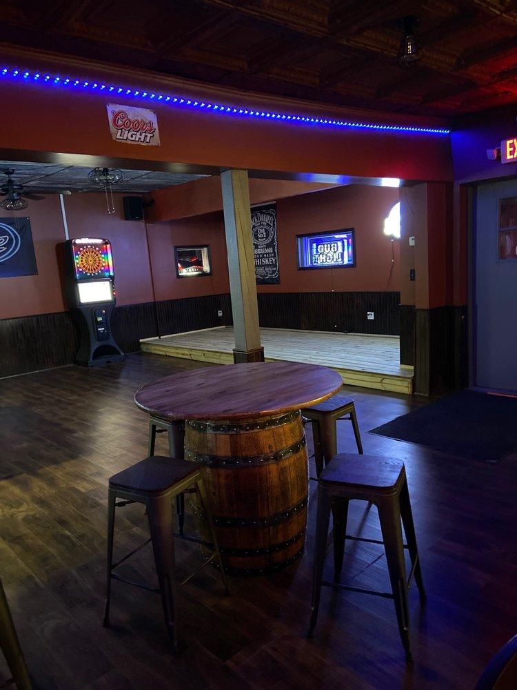 Sweetwater saloon: 402 W Deck St, New Douglas, IL
