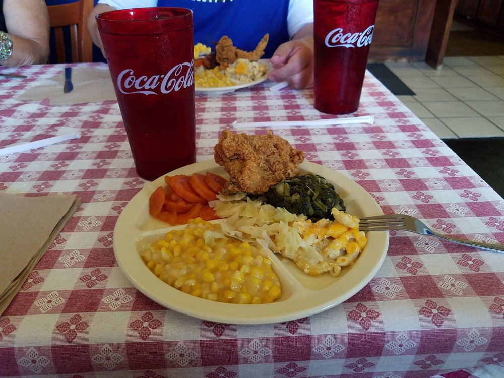 Pearl's Southern Cooking: 3505 Terry Rd, Jackson, MS