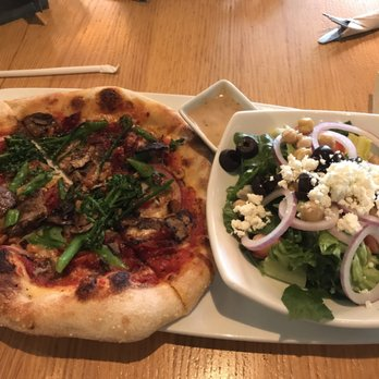 California Pizza Kitchen at Jacksonville - Order Food Online - 203 ...