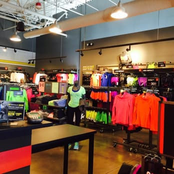 80e8a764ee7bed Under Armour Factory House - 37 Photos   20 Reviews - Sports Wear ...
