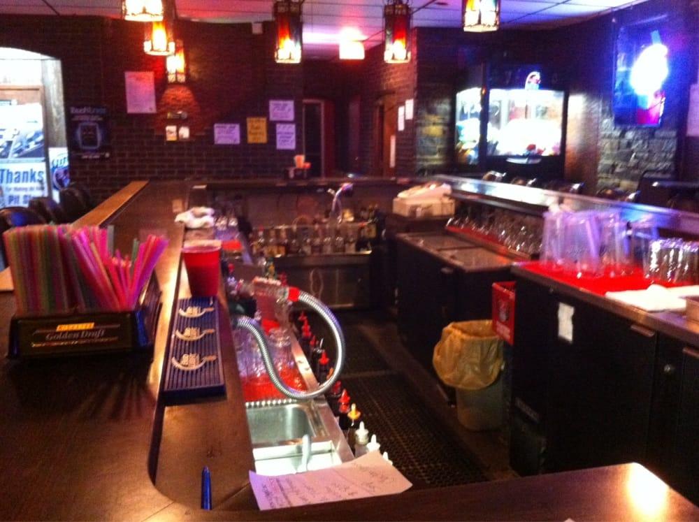 El Toro Lounge: 9105 Hwy 53, Cotton, MN