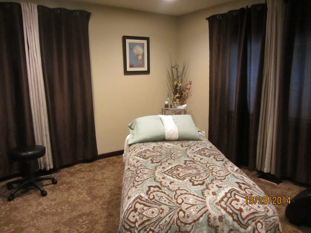 Alice Huang's Chinese Natural Therapies: 1311 N Main St, Clawson, MI