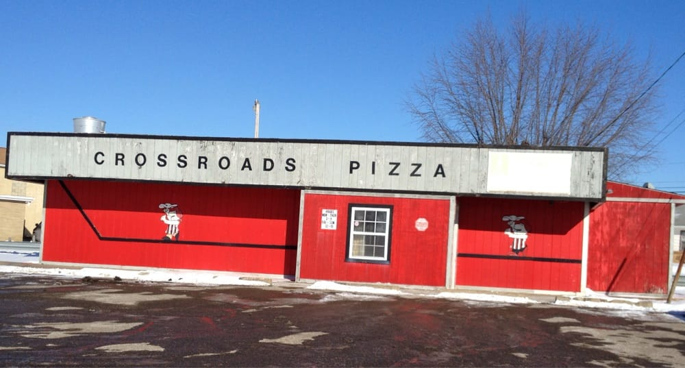 Crossroads Pizza Inc: 11255 State Rt 800 NE, Magnolia, OH