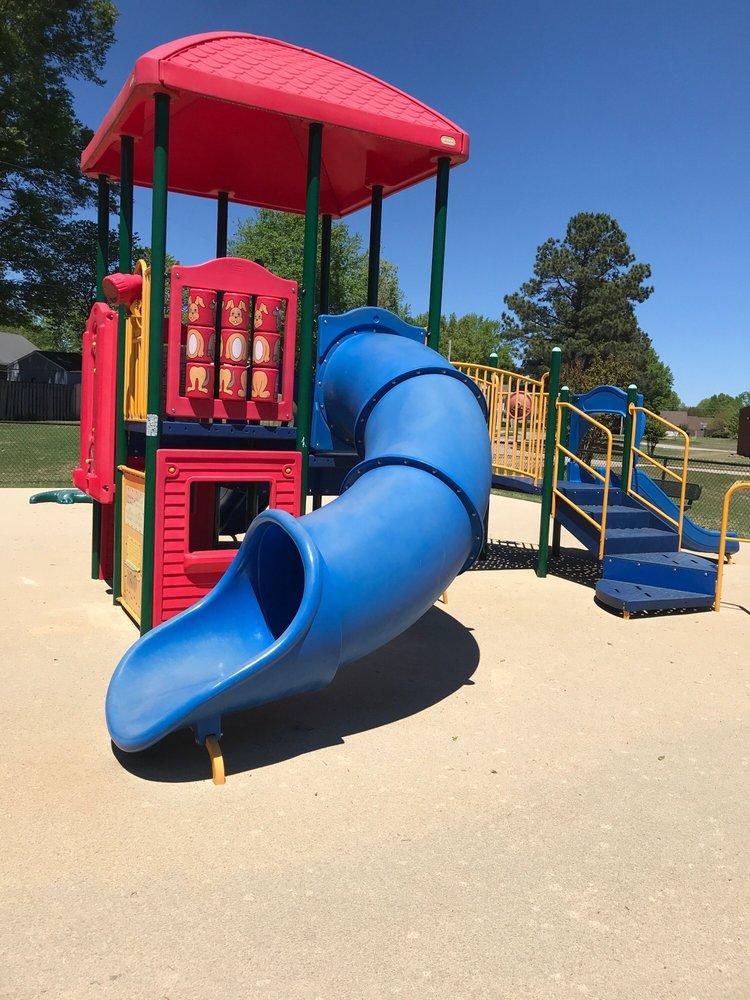 Deermont Park: 6675 Deermont Dr, Bartlett, TN