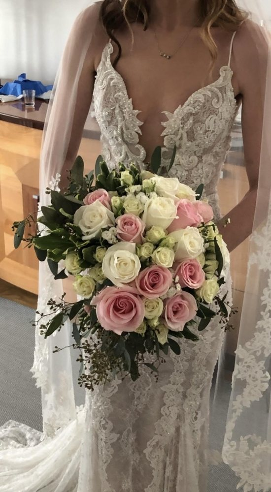 Bailstone Flower Shop: 598 Montauk Hwy, East Moriches, NY