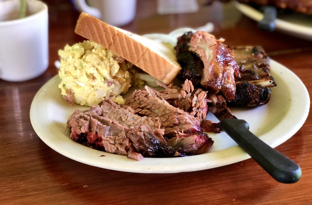 Longhorn Cattle Company Barbeque & Steak Restaurant: 3055 W Expressway 83, San Benito, TX