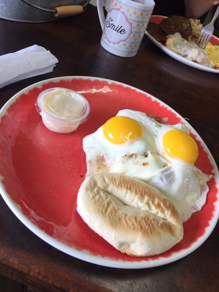 Country Cafe 50's Diner: 2053 SE Carlstrom Field Rd, Arcadia, FL