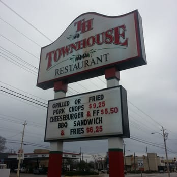 Town House Drive In Restaurant 22 Reviews Sandwiches 317 S