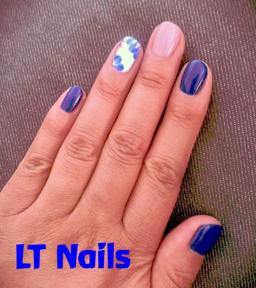 Dipping Powder on extension Nails with freelance design. LT Nails ...