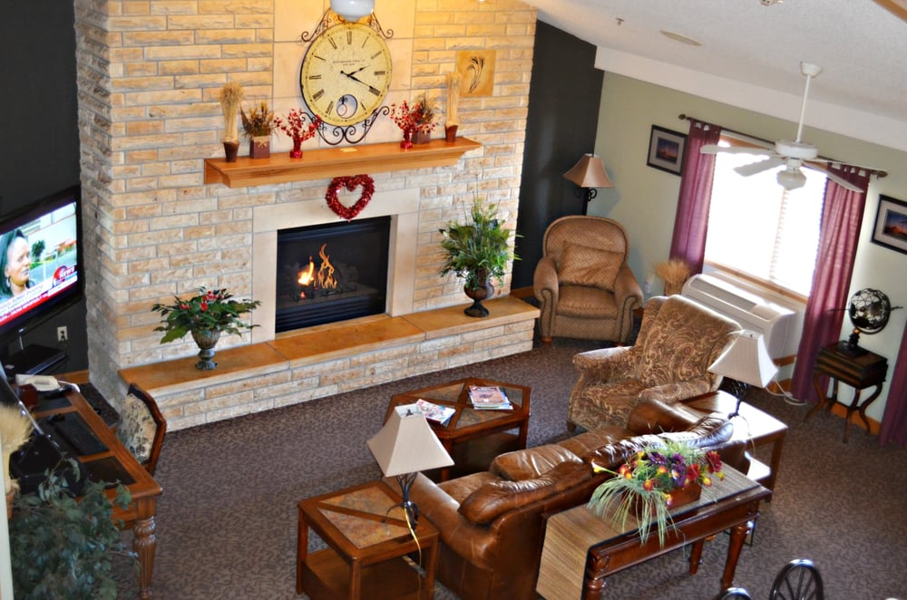 Fossil CreeK Hotel & Suites: 1430 S Fossil, Russell, KS