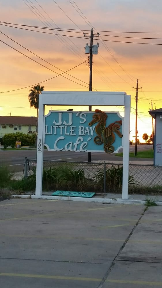 Jj s little bay cafe 24 photos 74 reviews cafes for Jj fish and chicken near me