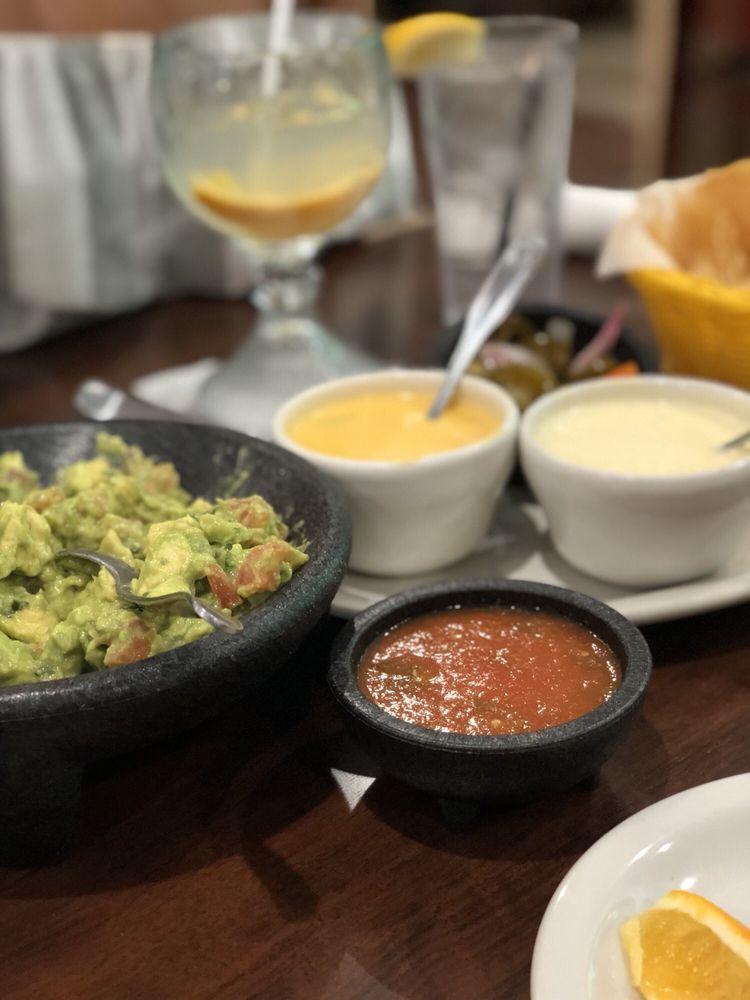 Hacienda Palomas Mexican Restaurant: 4580 Kingwood Dr, Humble, TX