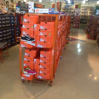 Anthem Shoe Stores