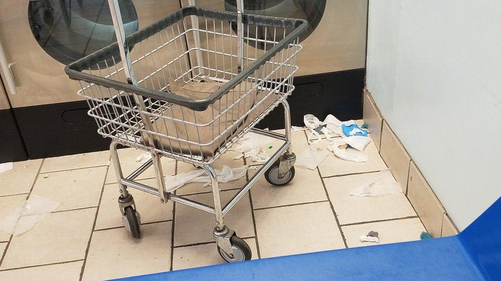 Soap'n Suds Laundry: 5820 Monroe Hwy, Ball, LA