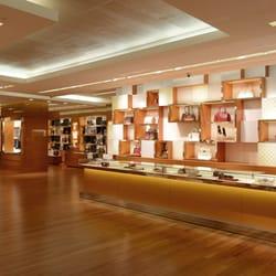 bb5412a6eed9 Louis Vuitton Atlanta Lenox Square - 25 Photos   68 Reviews ...