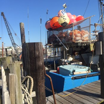 Hooked up seafood 83 photos 107 reviews seafood for Fishing wildwood nj