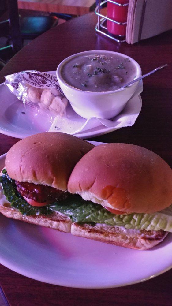Greeley Avenue Bar & Grill: 5421 N Greeley Ave, Portland, OR