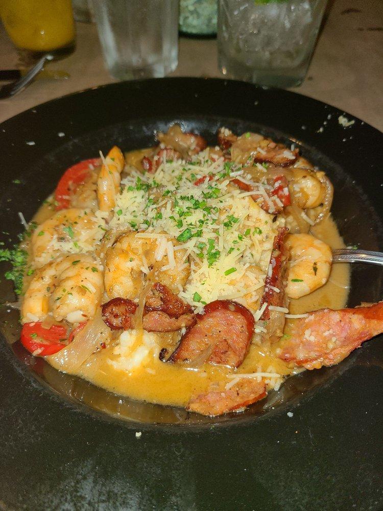 Breakwater Restaurant: 57878 N Carolina Hwy 12, Hatteras, NC