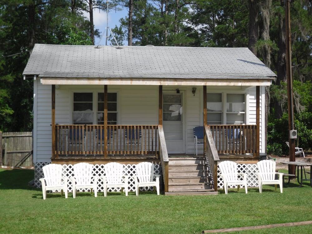 White Lake Silver Sands Apartments: 756 White Lake Dr, Elizabethtown, NC