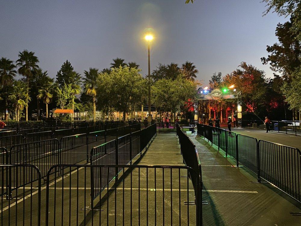 Dark Horizon: 14500 Continental Gateway Dr, Orlando, FL
