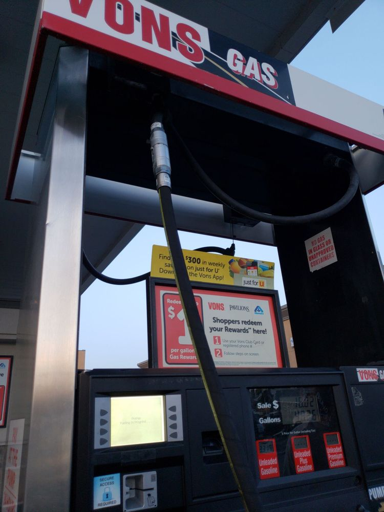 vons gas station 15 photos 45 reviews gas stations 1820