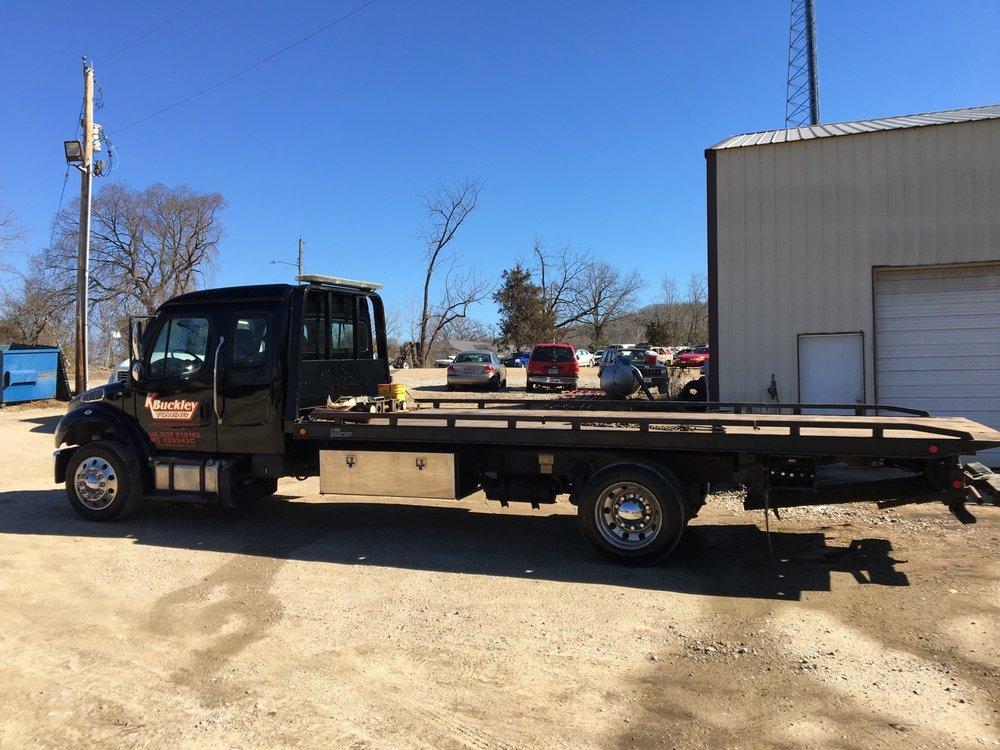 Towing business in Farmington, MO
