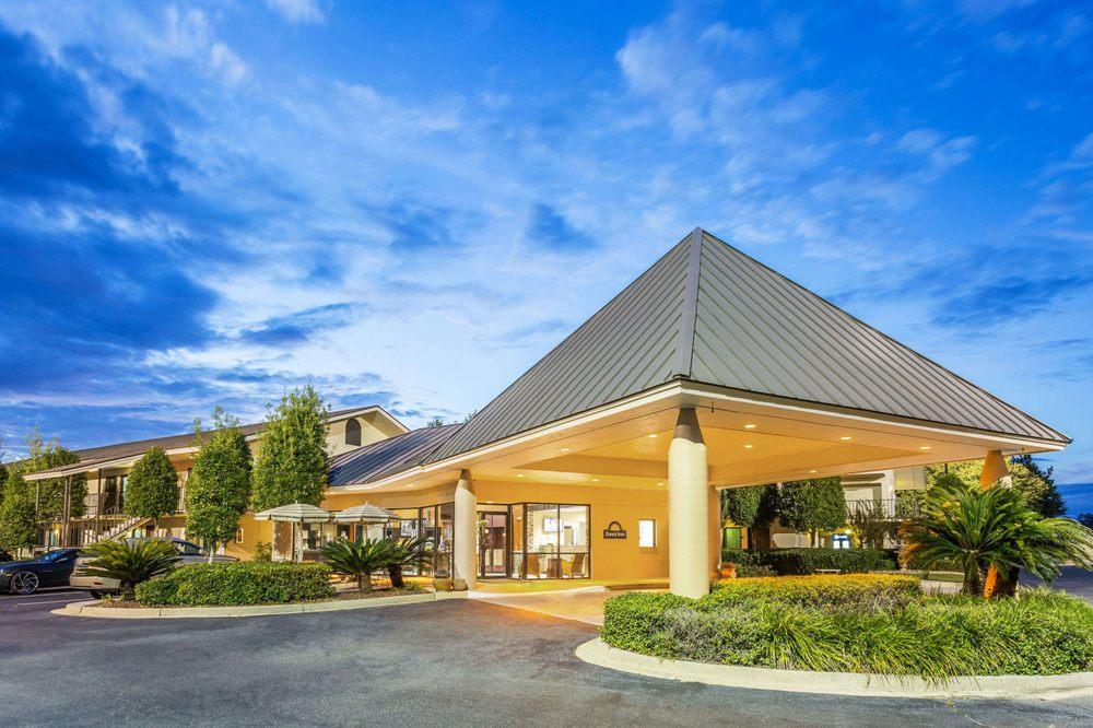 Days Inn by Wyndham Lake Park/Valdosta: 4913 Timber Drive, Lake Park, GA