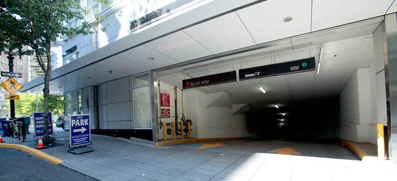 Fox tower parking garage parking 775 sw taylor st for Garage oberkampf parking