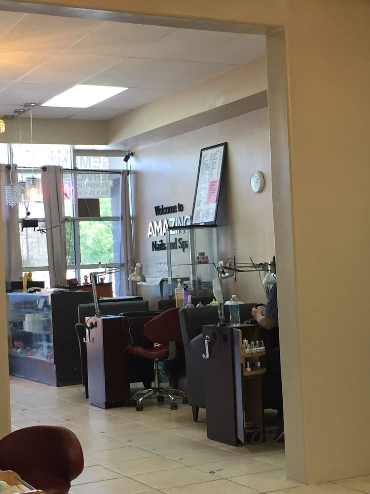 Amazing Nails & Spa: 865 N Resler Dr, El Paso, TX
