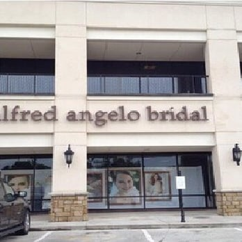 Alfred angelo bridal 12 photos 10 reviews bridal for Wedding dress rental baton rouge