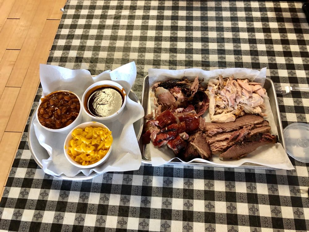 Ron's Pork Shack: 1514 Creek Dr, Morris, IL