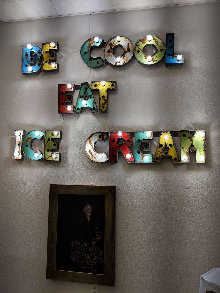 Cool Cow Creamery: 609 Bradford Ave, Kemah, TX