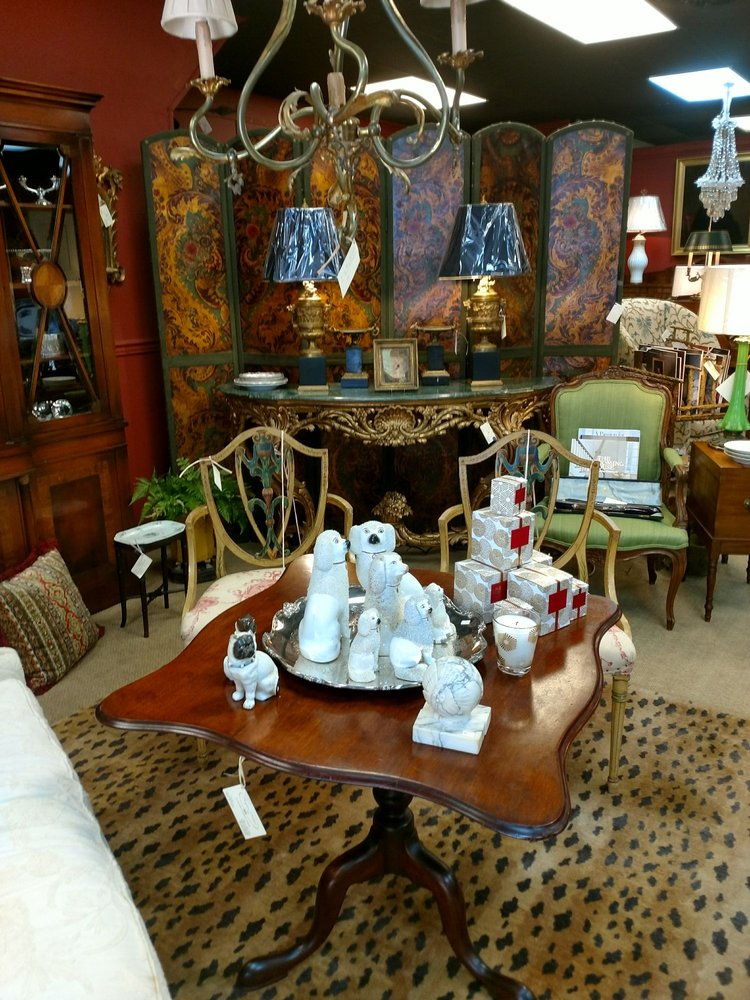 Foxglove Antiques & Etc: 289 W Main St, Abingdon, VA