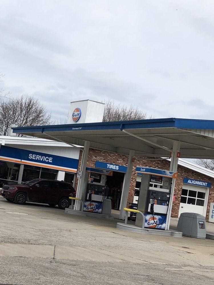 Glotzbecker's Service Center: 1911 S Ridge Rd E, Ashtabula, OH