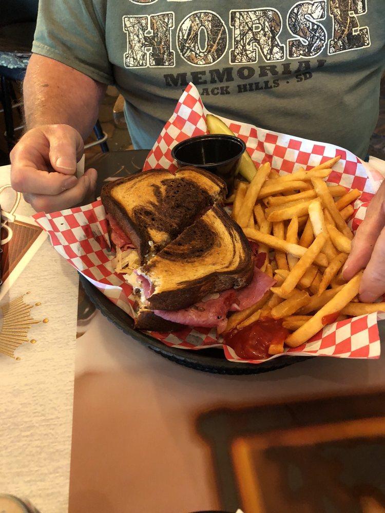 Lobo's Bar & Grill: 28453 Highway 200, Park Rapids, MN