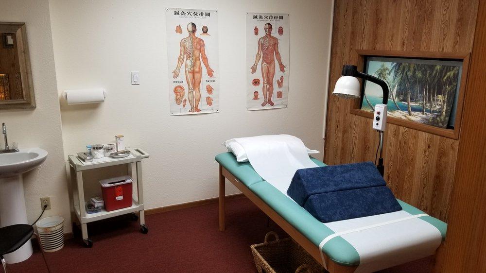 OK GO Acupuncture Health Care: 222 E Main St, Barstow, CA