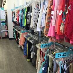 Plato S Closet 45 Reviews Men S Clothing 399 Bald Hill Rd