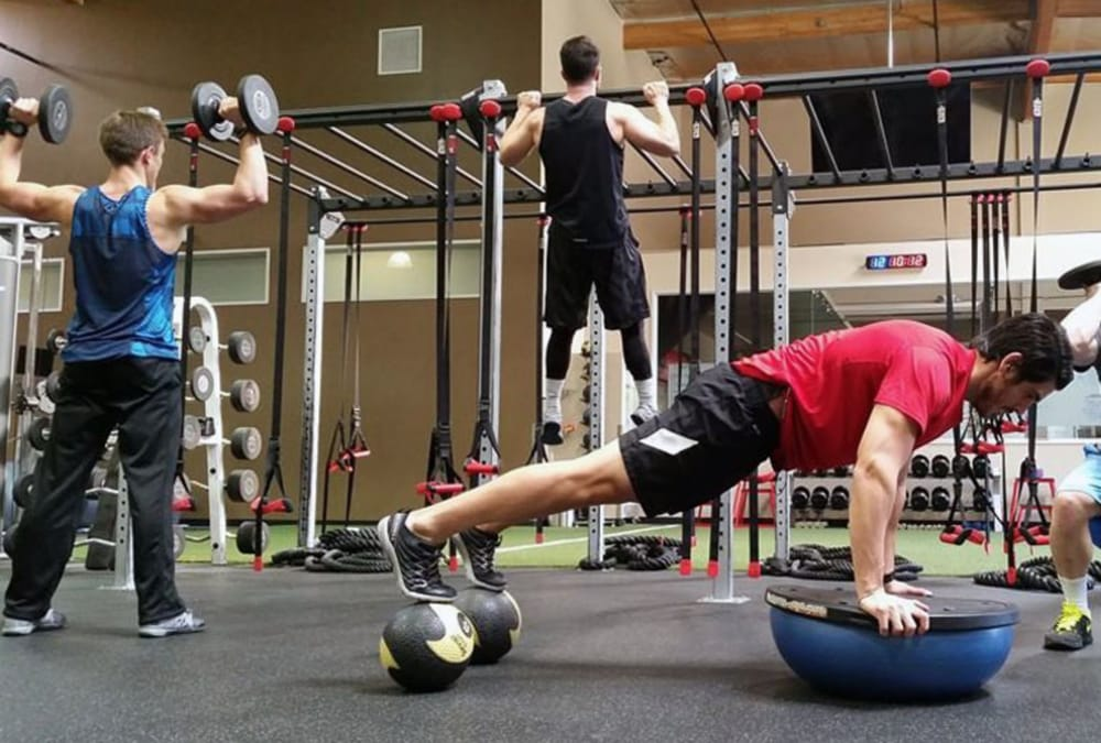 Elite Fitness Plus: 2360 Townsgate Rd, Westlake Village, CA
