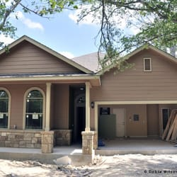 Acadian homes builders 87 loop 150 w bastrop tx for Home builders bastrop tx